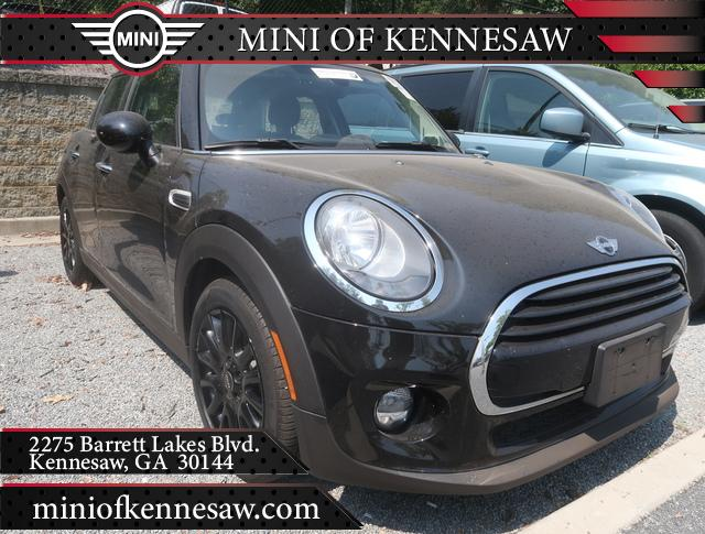 Pre-Owned 2018 MINI Cooper