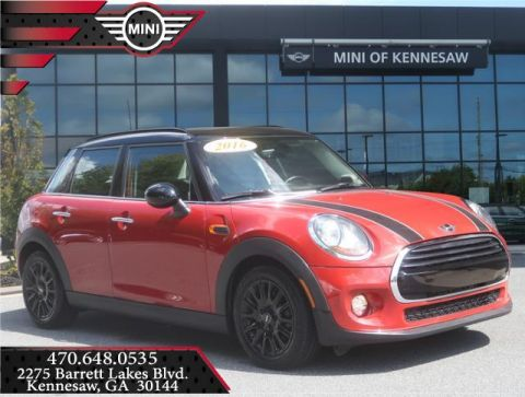 Pre-Owned 2016 MINI Cooper Hardtop 4 Door